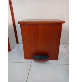 CUBO PEDAL MADERA,COLOR SAPELY . 29 X 23 X30
